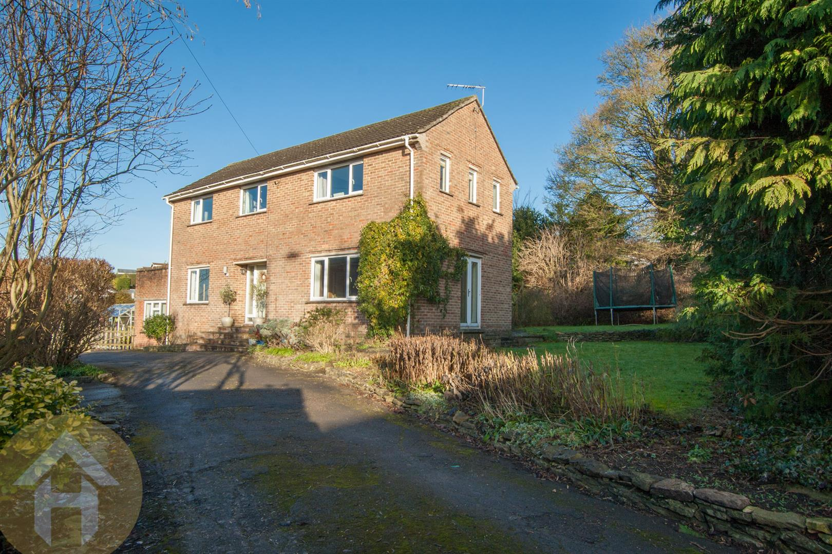 4 Bedrooms Detached House for sale in High Street, Royal Wootton Bassett. SN4